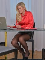 Samantha Snow - 33 year old Samantha K from AllOver30 rocking naked at her desk