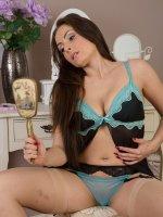 Sophia Delane - 31 year old Sophia Delane spreading her shaven mature pussy wide