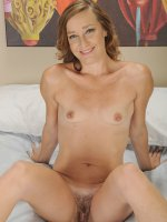 Older MILF Cindi Thompson toys her horny pussy.
