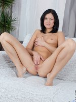 Sandy Rae - Small Boobs, Landing Strip Pussy, Black Hair, Long hair, Masturbation, Petite, Natural, Milf -