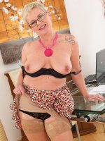 Deide J	Horny 47 year old Deide J plugs her mature hole after a long day