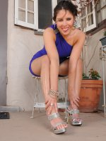 Stacey Sinns - 30 year old Stacey Sinns strips and spreads her legs in the backyard