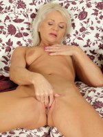 Inez - Beautiful 47 year old Inez from AllOver30 fingering her mature pussy