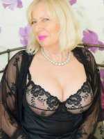 Sandy super hot mature lady