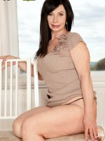 Lilly - Mature - Lilly's Secret