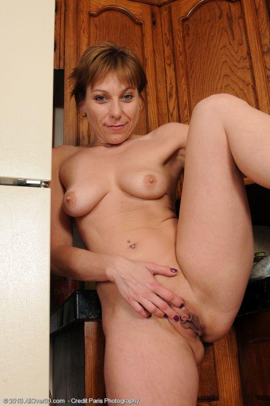 Petite housewife brandi minx is fucking her hot pussy 5