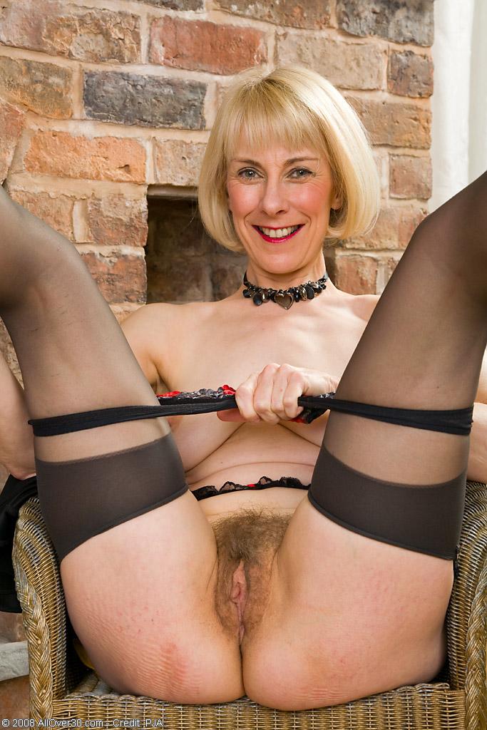 Hazel british milf