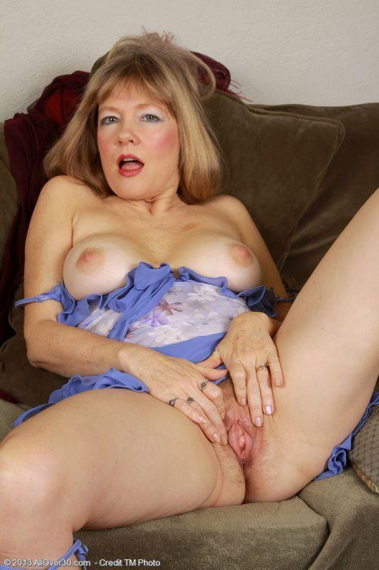 Horny mature calliste sex affair with young neighbor 7