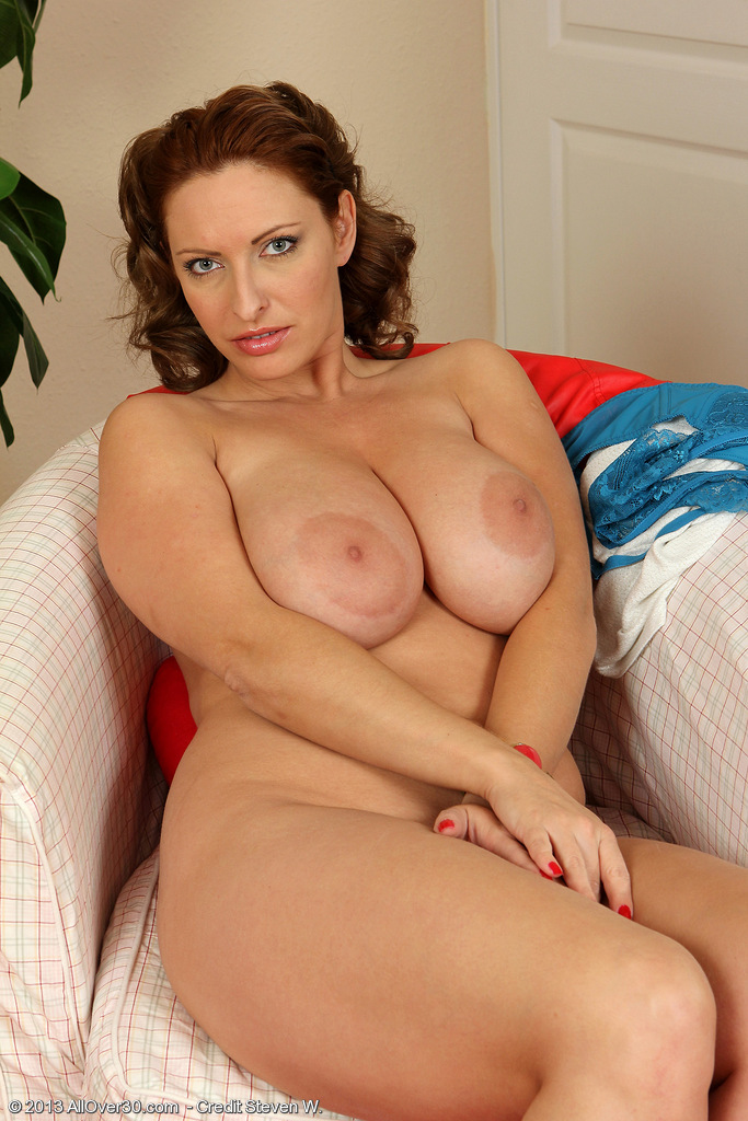 see more pics and hd vids of salinas and other mature women inside