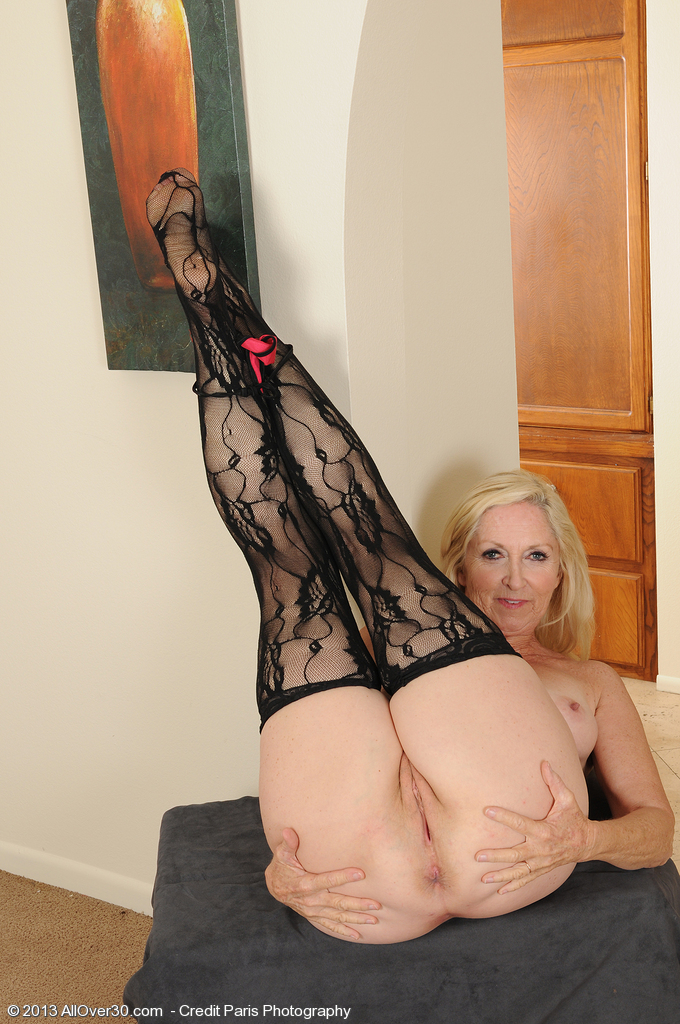 Mom Galleries Older Kiss Free mature, granny and hot