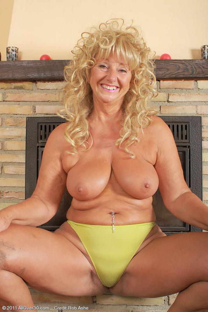 Carol brown horny housewife - 4 1