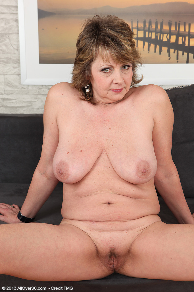 52 year old granny plays with pussy on cam 1
