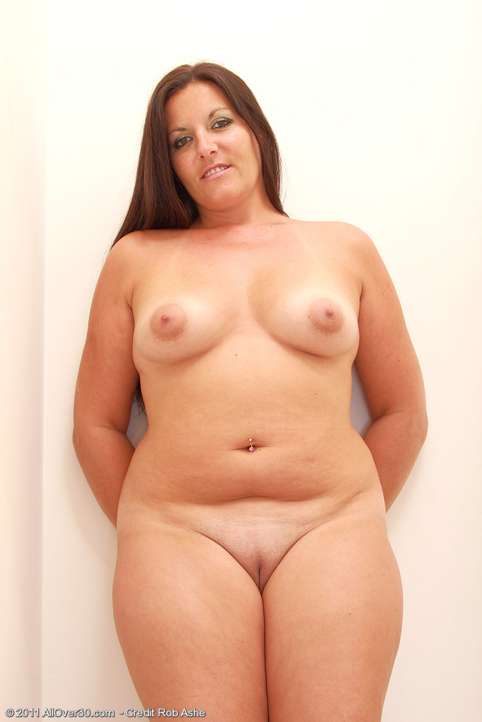 Fat Woman Shaved Pussy