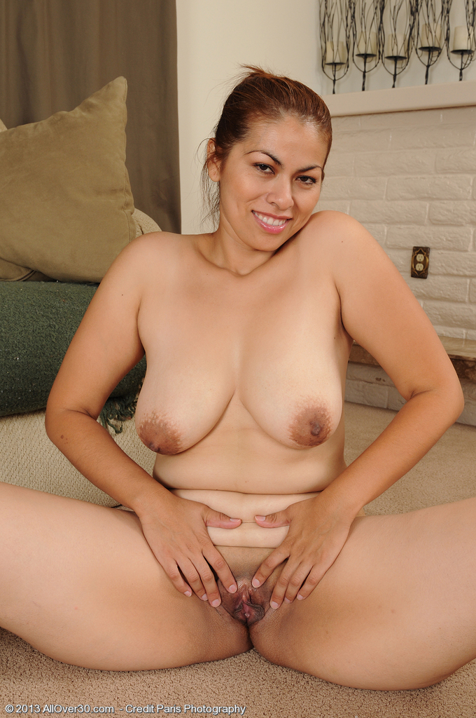 All natural latina babe solo 3