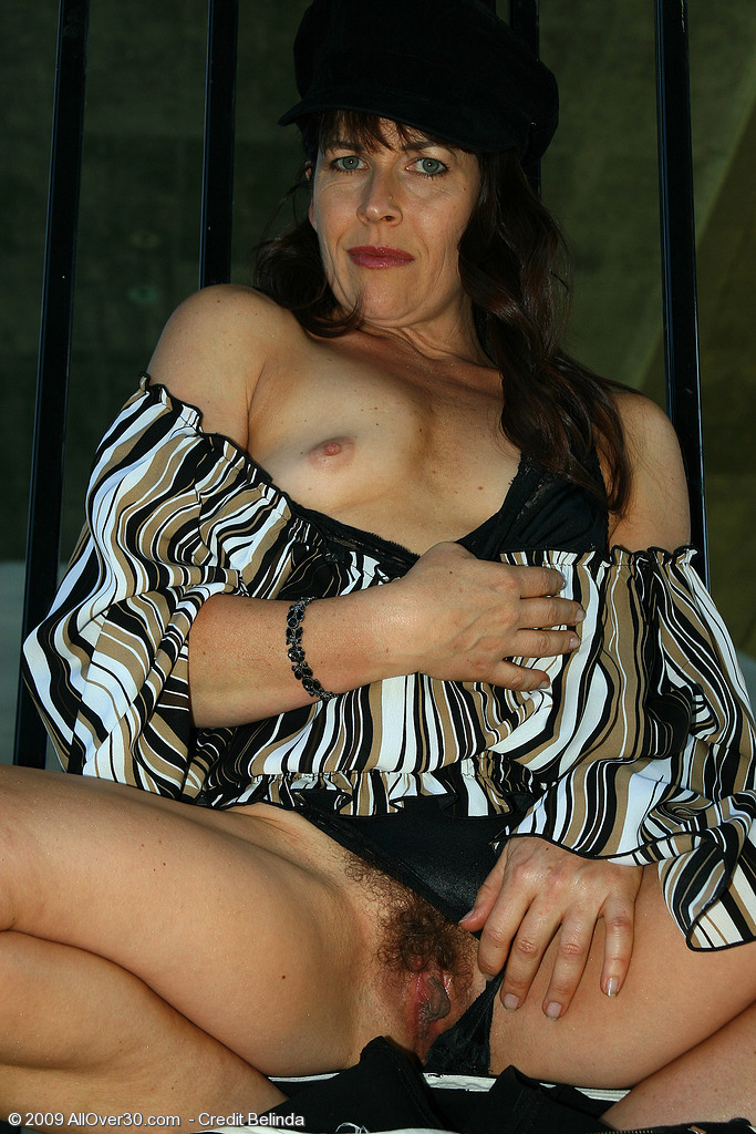 Andie mature hairy pussy with