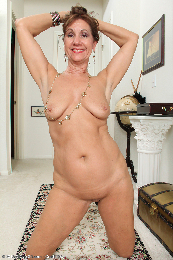 Nudes over lynn mature 30