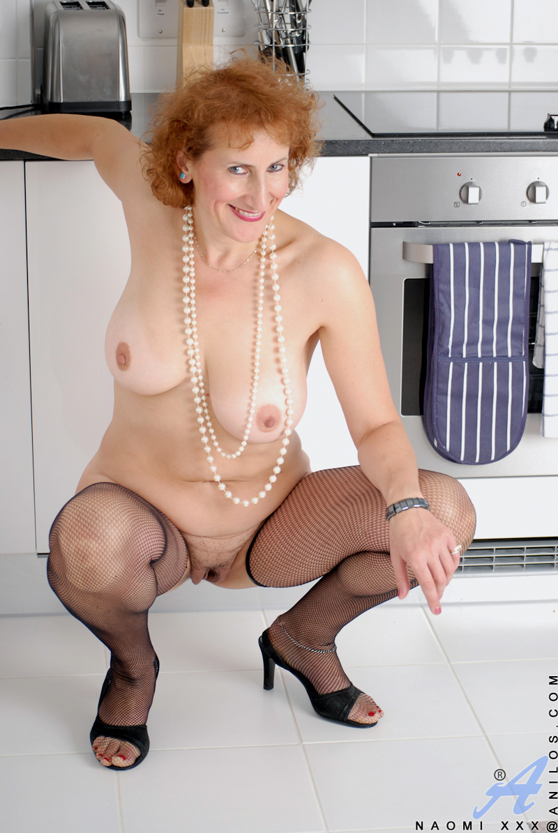 Amusing Sexy granny in stockings naked