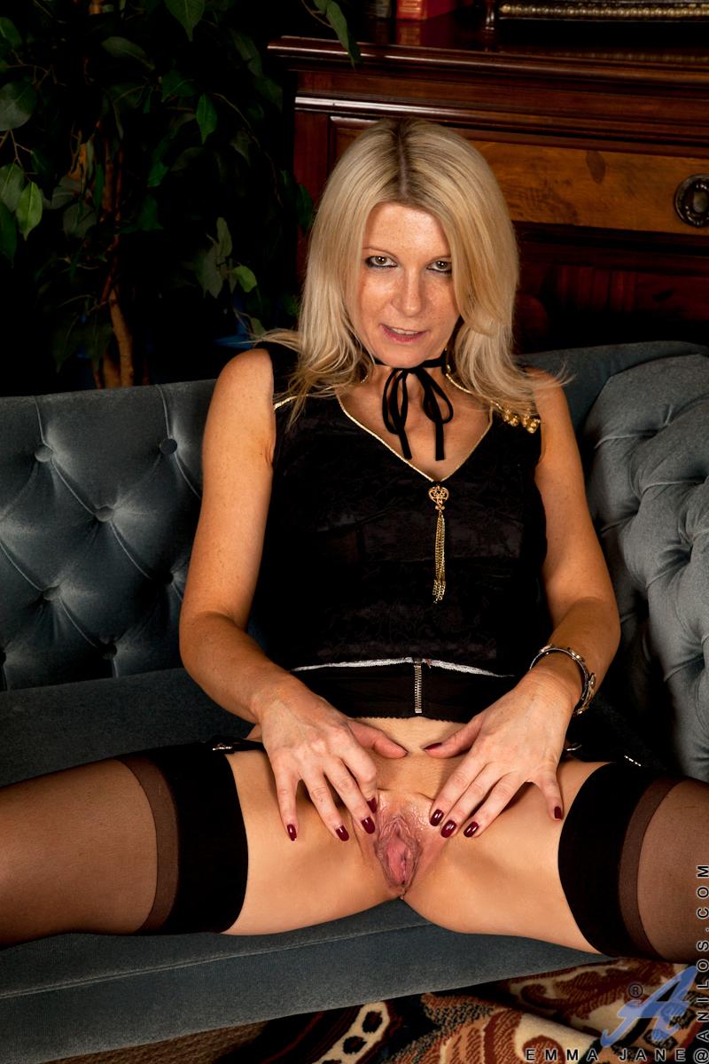 British slut sarah jane hamilton plays with herself - 3 part 3