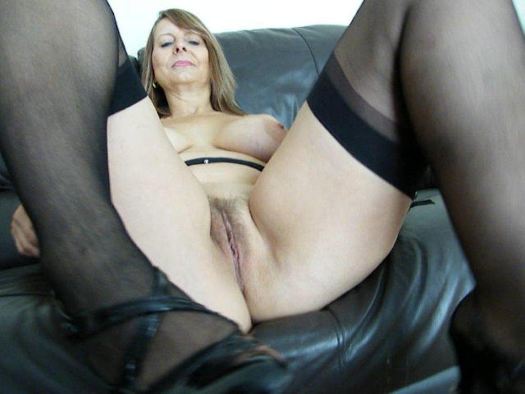 Lady sonia out of her jeans gets cum on her ass 1