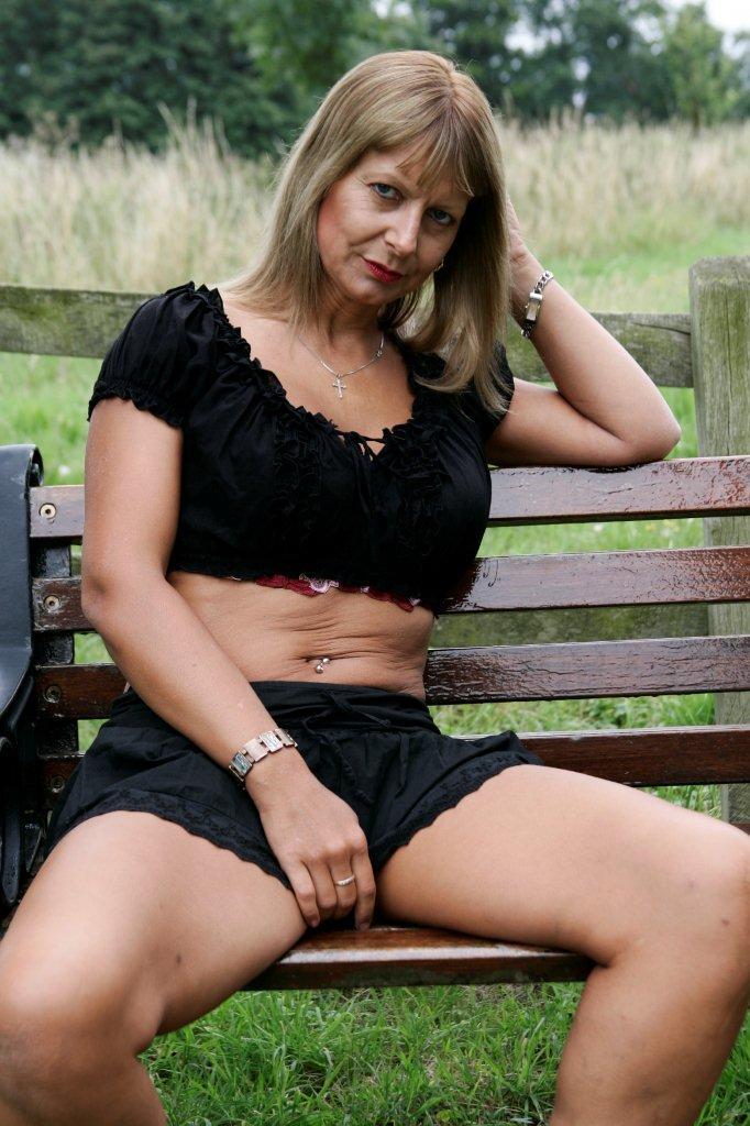 Mature russian women having sex