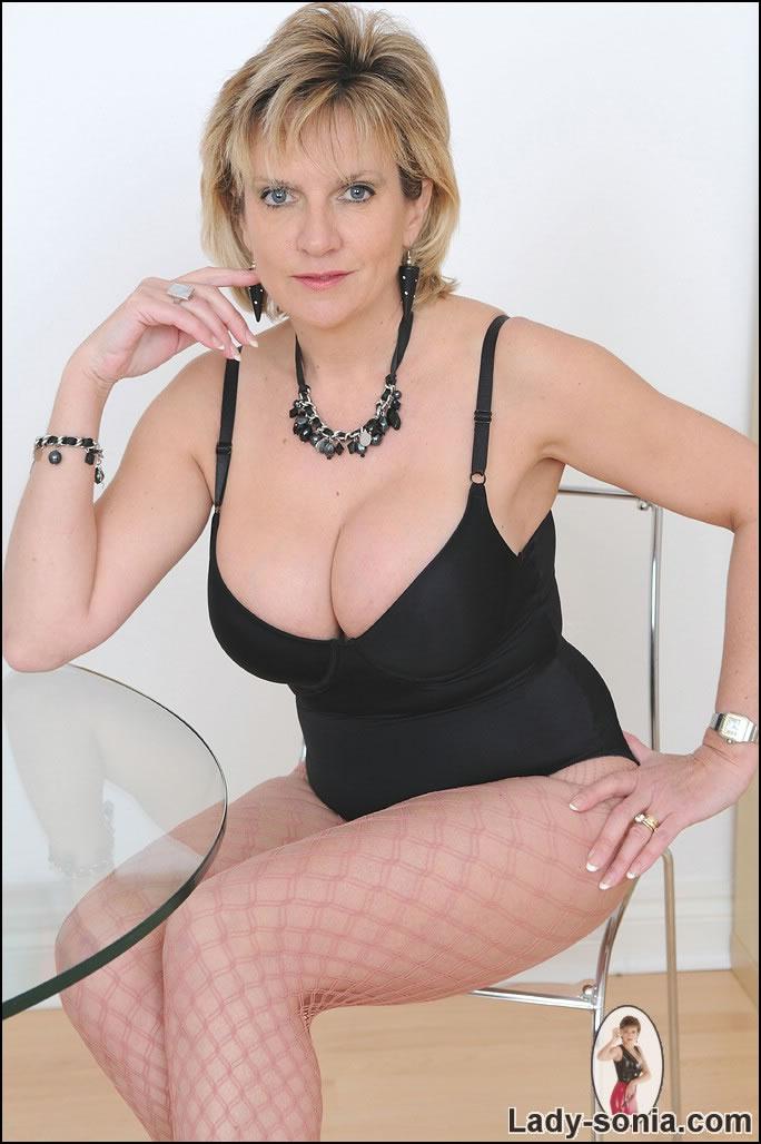 Lady Sonia Stockings  Lady Sonia masturbatrix and