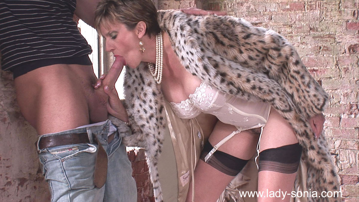 Mature mother fucked hard by her young lover 5