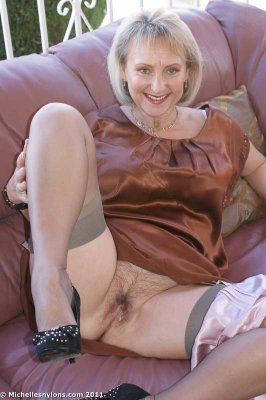 Possible In pantyhose show pussy that would