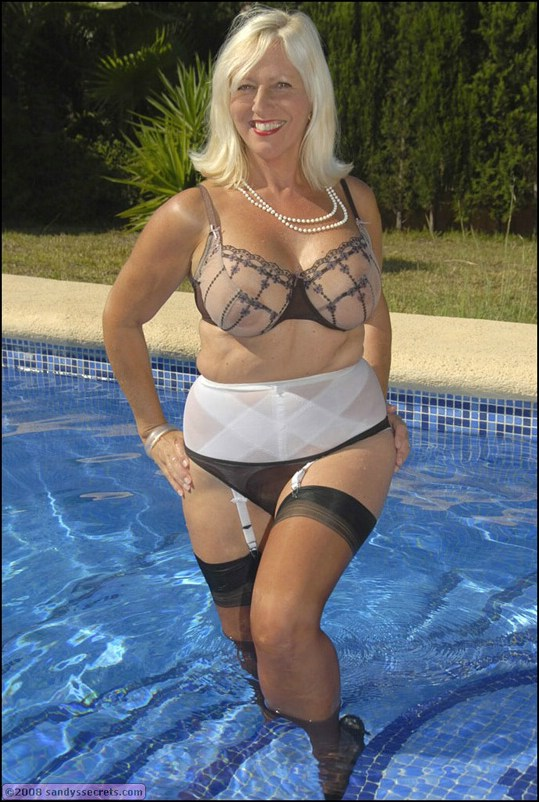 milf in pool Busty mature