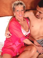 Horny dude licks grandmas shaved pussy and lets her suck his meaty cock after