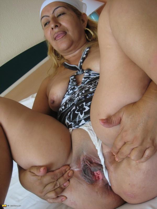 Spanish mom nude