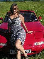 big tits brunette car milf outdoors