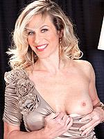 Gianna Phoenix, Mature
