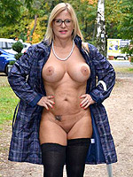 NudeChrissy, Walking Nude In The Rain, Cougar,MILF ,Big Tits,United States,Dogging,Exhibitionist,Flash