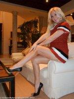 Leggy blonde MILF Saskia