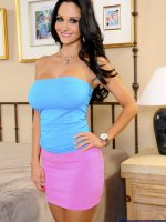 Ava Addams	Ava Addams calls her son's friend over to help her fix a light in her bedroom. In reality