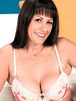 Tori Dean, Mature
