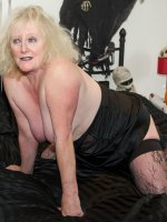 ClaireKnight, Granny, Mature, BBW/Curvy, Big Tits, United Kingdom, Lingerie, Feet/Shoes, High Heels, Stockings, Striptease