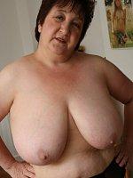 KinkyCarol - United Kingdom-MILF-Big Tits-Striptease-Stockings-Lingerie-High Heels-Fingering-Feet, S