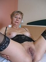Hundreds of links to free mature and granny galleries